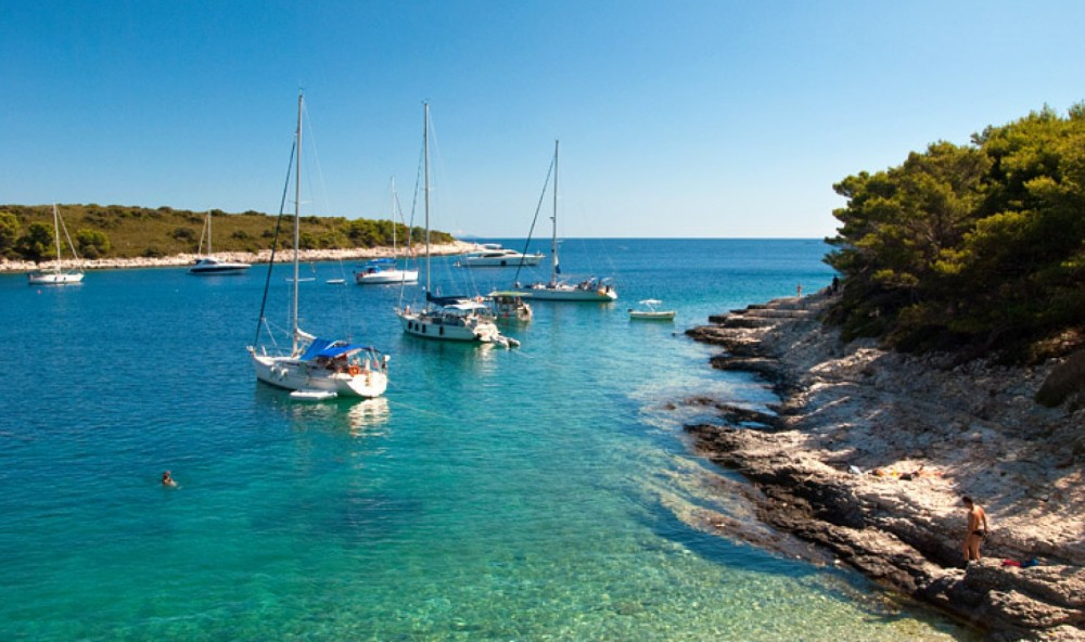 Hire RIB with or without skipper Baracuda Hvar