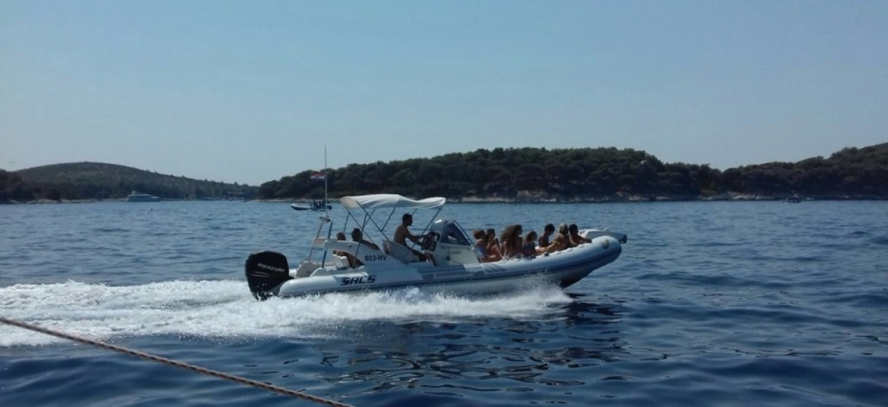 Sacs 78 between personal and professional Hvar