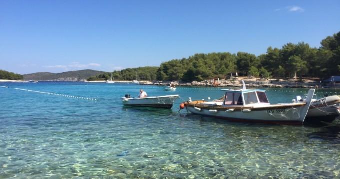 Boat rental Hvar cheap 78