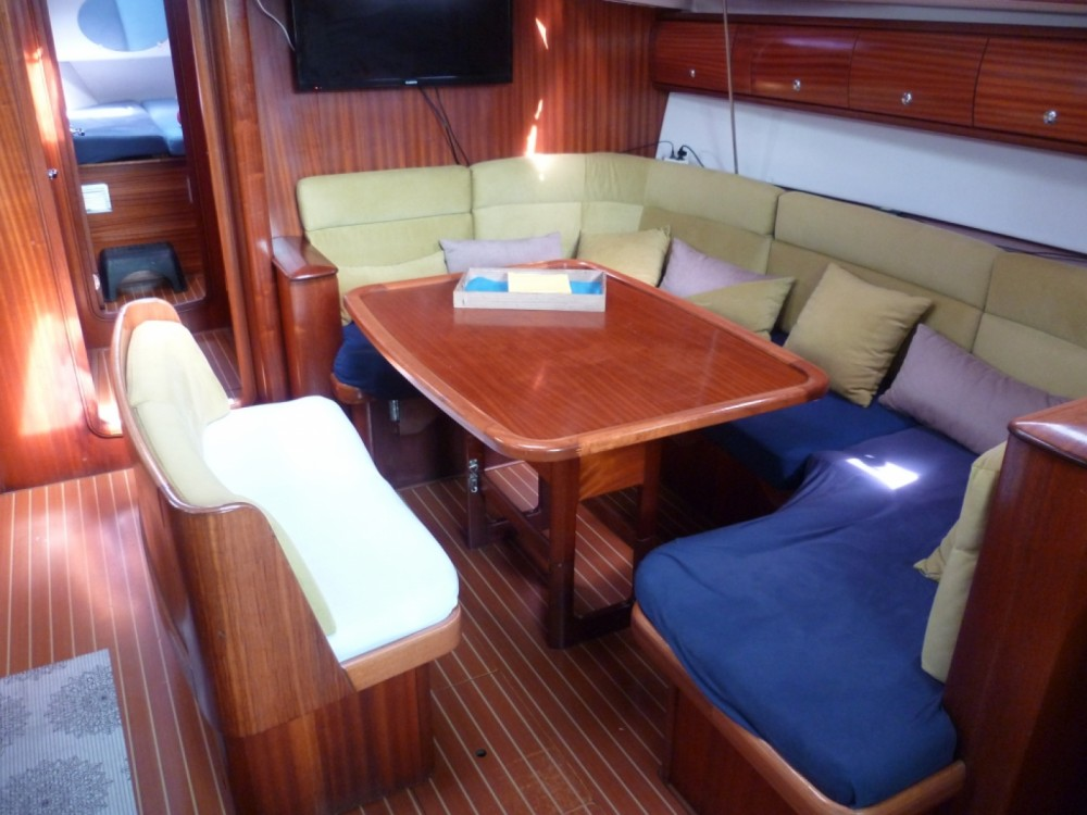 Boat rental Bavaria Bavaria 44 in Agde on Samboat