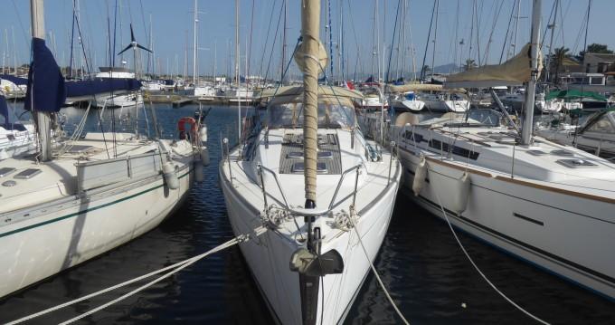 Rental Sailboat in Saint-Cyprien - Dufour Dufour 405 Grand Large