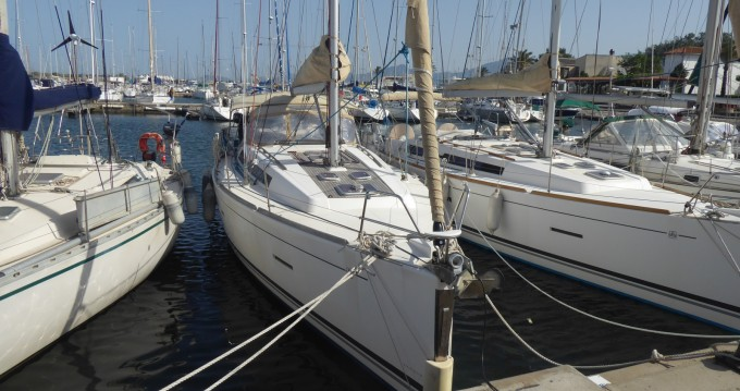 Sailboat for rent Saint-Cyprien at the best price
