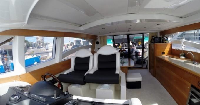 Rental Yacht Innovazione e Progetti with a permit