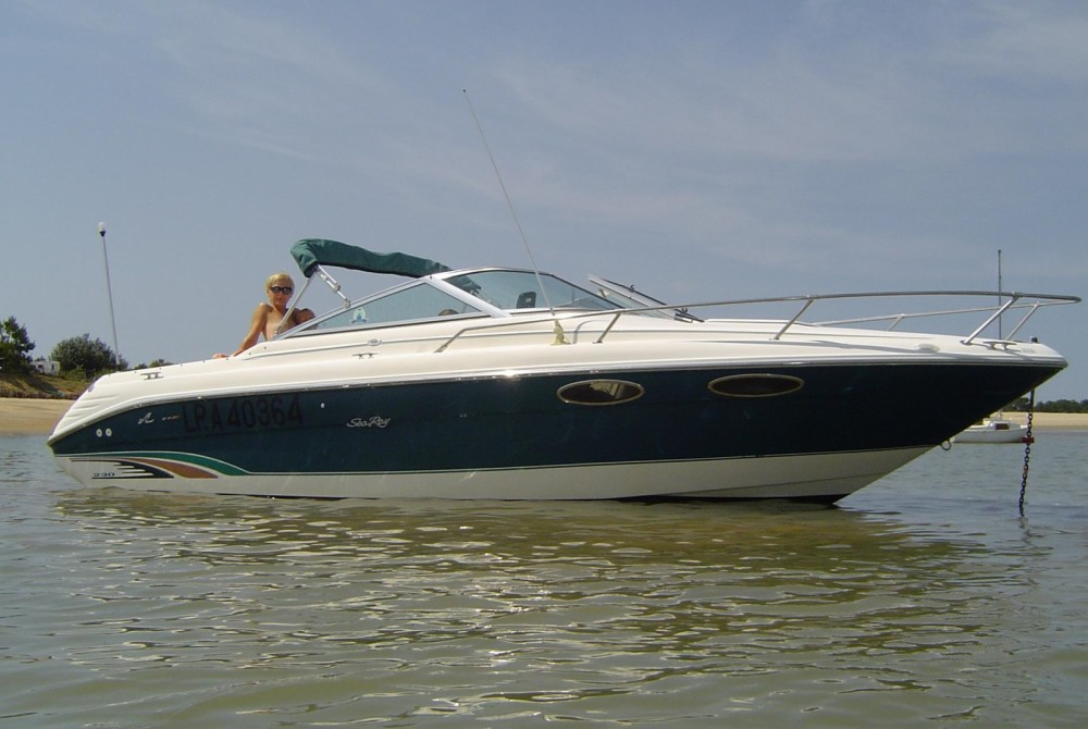 Rental Motorboat Sea Ray with a permit