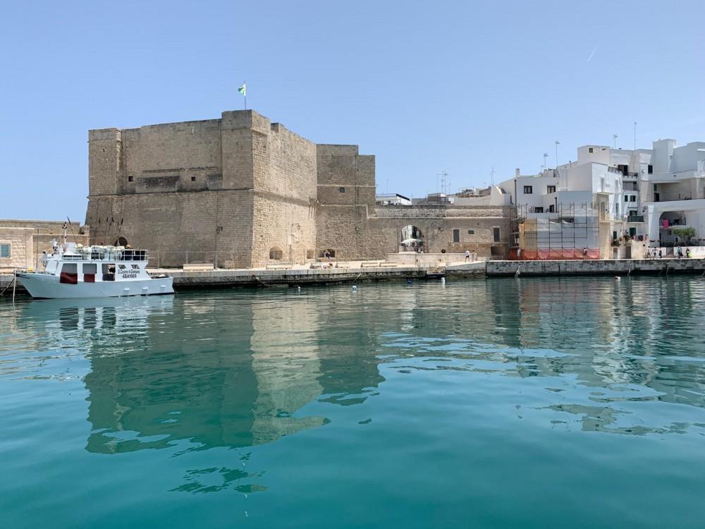 Rental Motorboat Aquamar with a permit