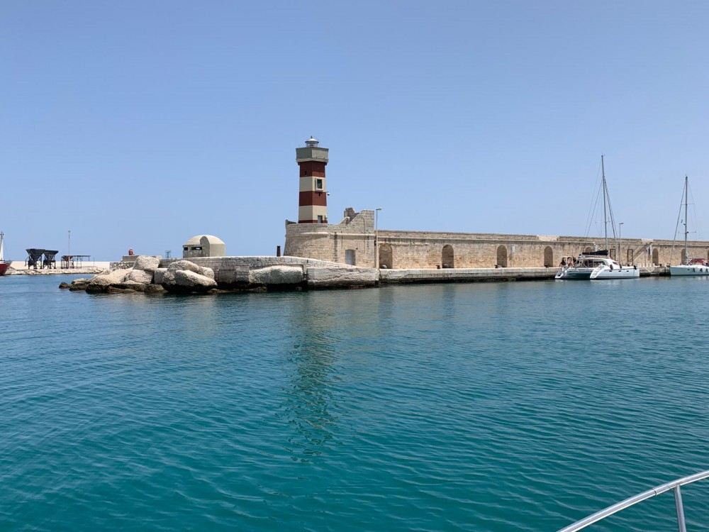 Rental yacht Monopoli - Magnum B&C on SamBoat