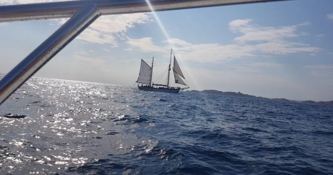 Rental Motorboat in Marseille - Sessa Marine Key Largo 20