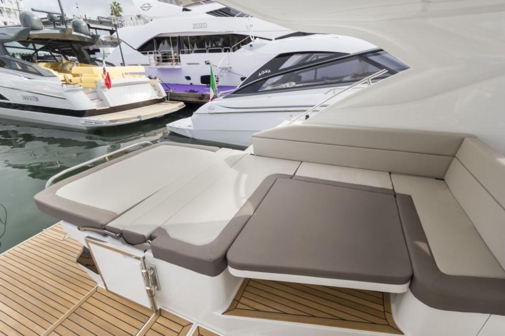 Rental Motorboat in Mandelieu-la-Napoule - Galeon Galeon 405 HTL
