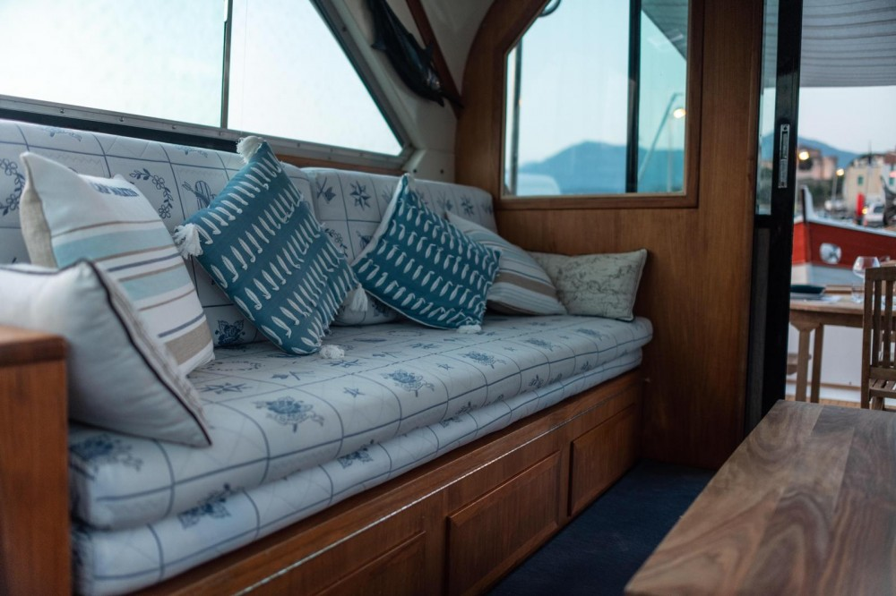 Rental Motorboat in Saint-Florent - Bertram 38