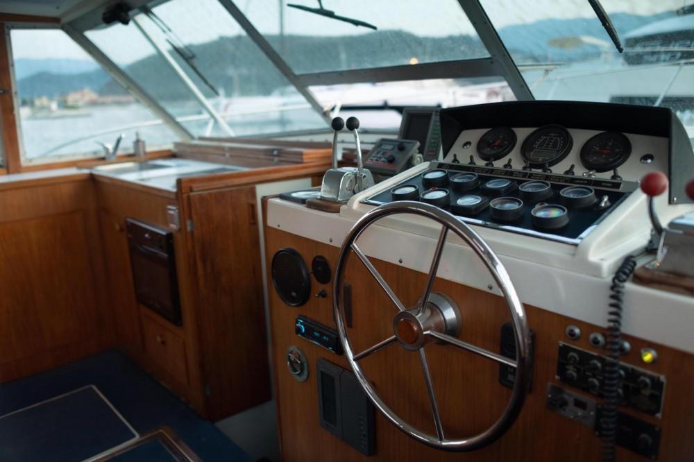 Rental yacht Saint-Florent - Bertram 38 on SamBoat