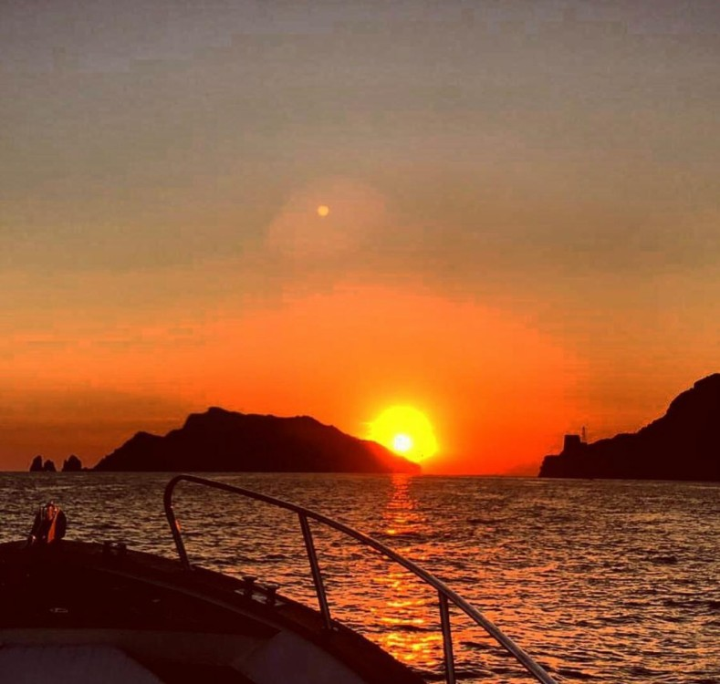 Hire Motorboat with or without skipper Aprea mare 9 mt Positano