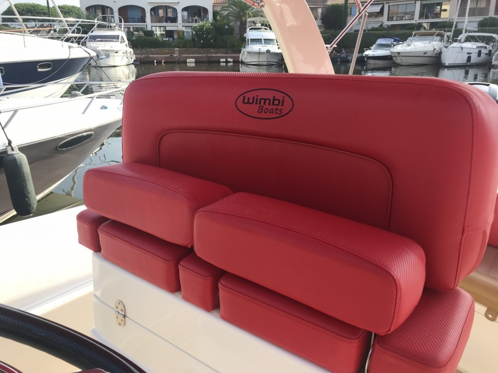 Wimbi Boats W10 between personal and professional Grimaud
