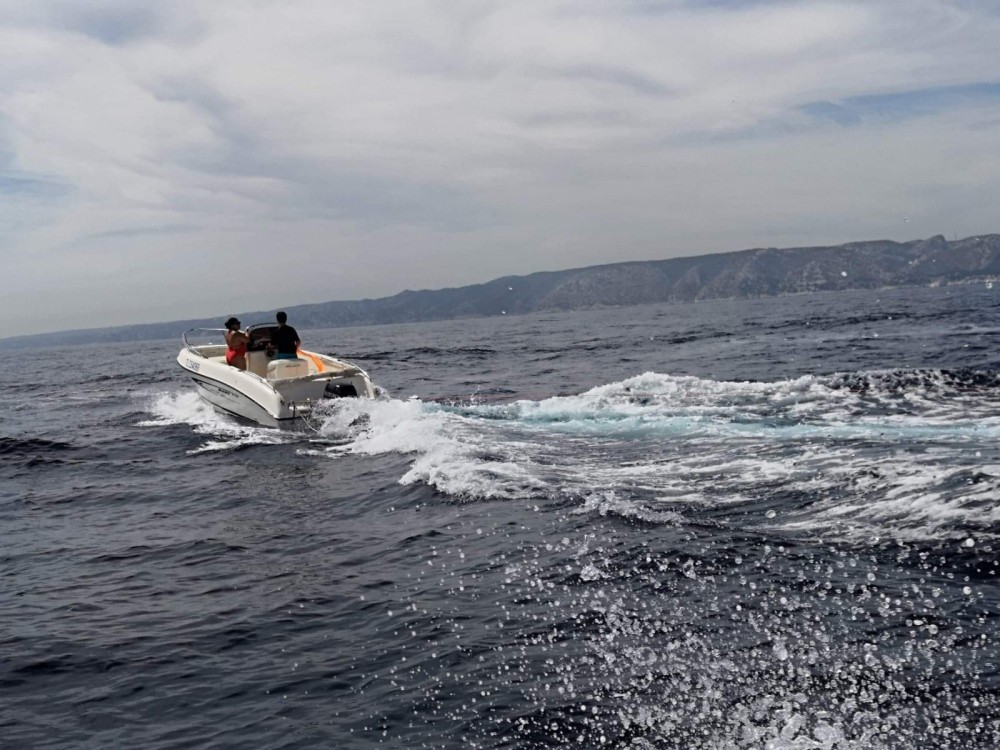 Motorboat for rent Fos-sur-Mer at the best price