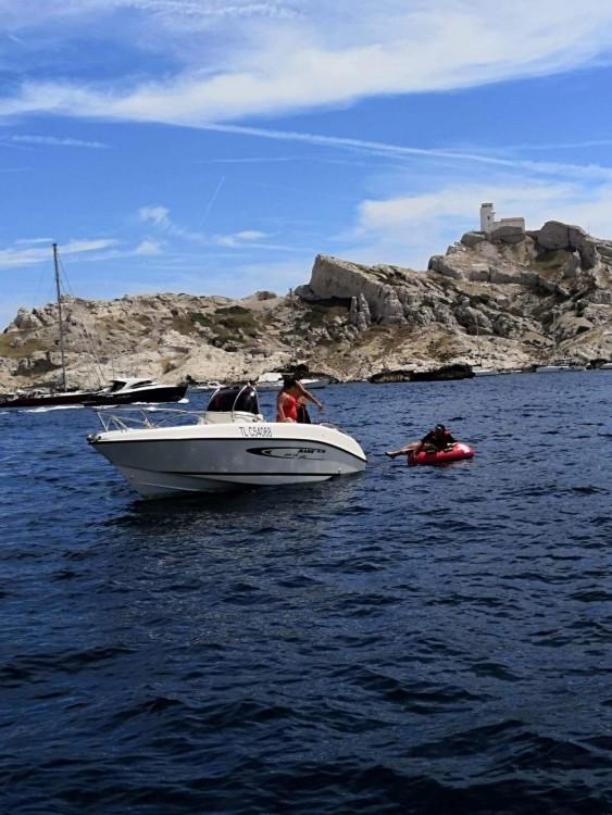 Boat rental Mano Marine 19.5 in Fos-sur-Mer on Samboat
