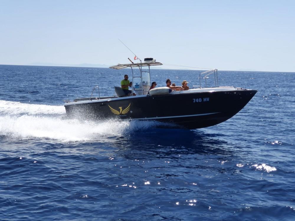 Rental yacht Hvar - Phoenix 31 on SamBoat