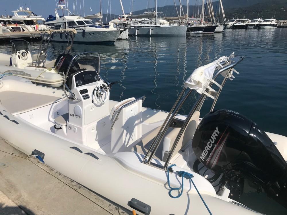 Boat rental Valiant Valiant 630 Classic in Propriano on Samboat