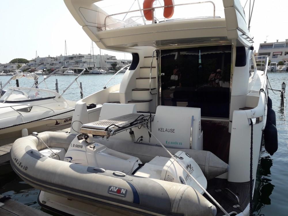 Boat rental Azimut Azimut 46 in Le Grau-du-Roi on Samboat