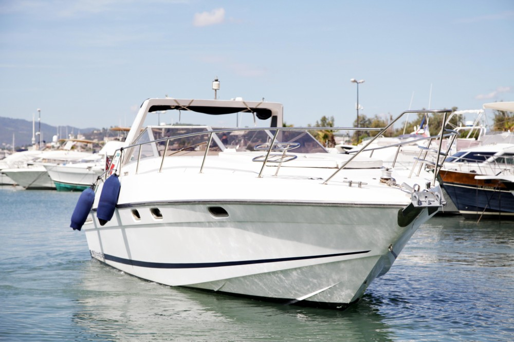 Sunseeker SAN REMO 33 between personal and professional Mandelieu-la-Napoule