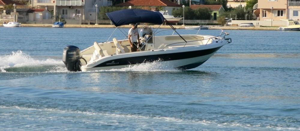 Boat rental Mingolla Brava 22 in Bol on Samboat
