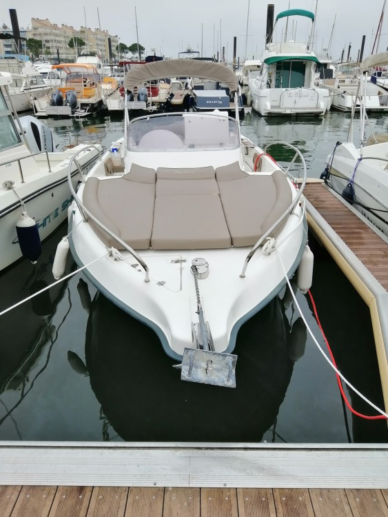 Boat rental B2 Marine Cap Ferret 675 in Arcachon on Samboat