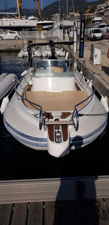 Rental yacht  - Capelli Tempest 900 on SamBoat