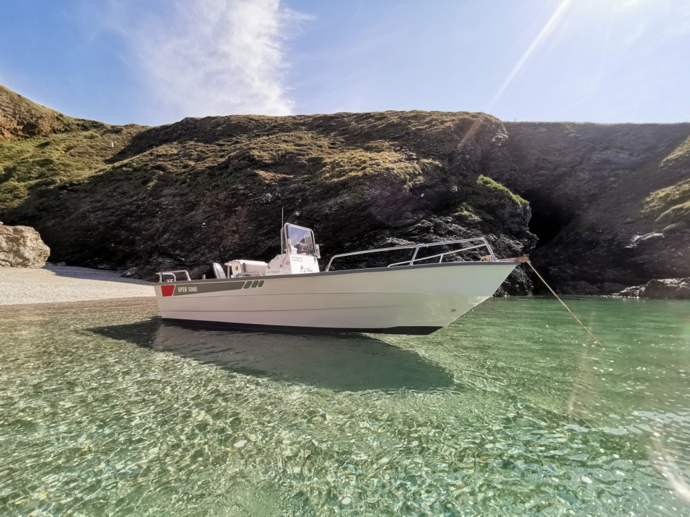 Motor boat for rent Le Palais at the best price