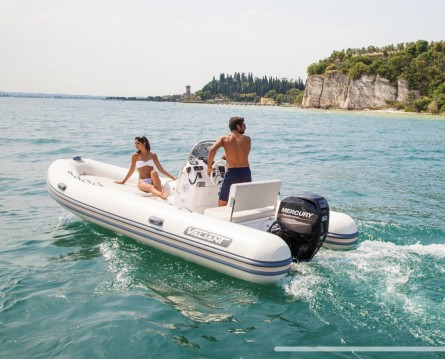 RIB for rent Six-Fours-les-Plages at the best price