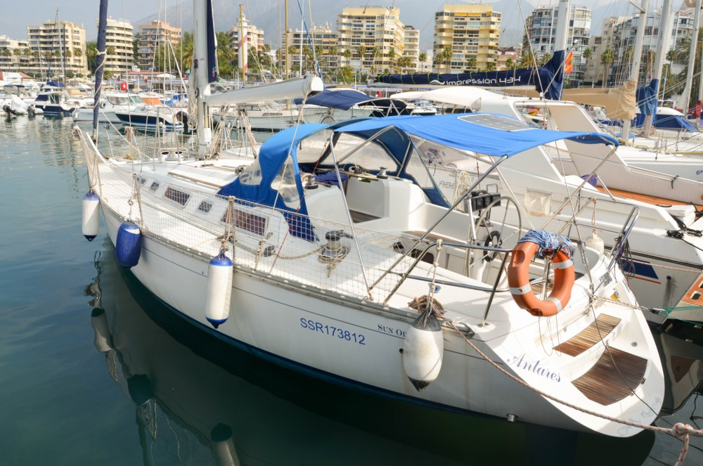 Hire Sailboat with or without skipper Jeanneau Marbella