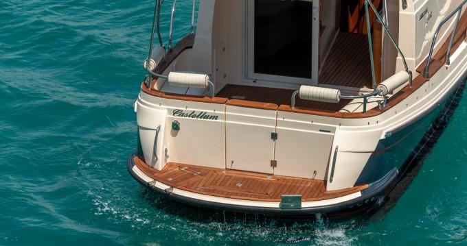 Rental Motorboat in Split - Damor Fjera 980