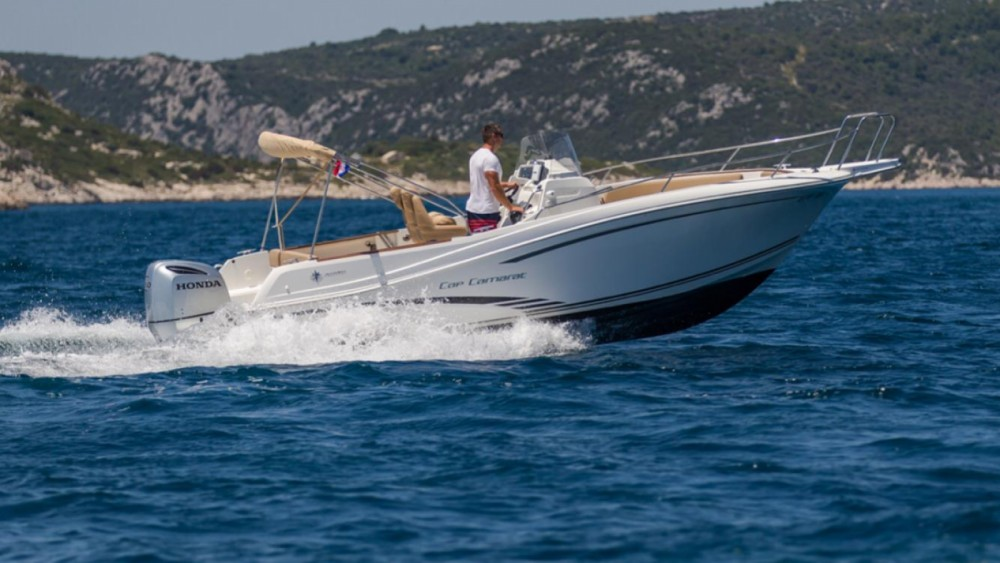 Hire Motorboat with or without skipper Jeanneau Trogir