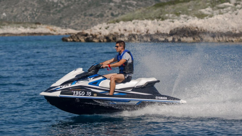 Rental Jet Ski Yamaha with a permit
