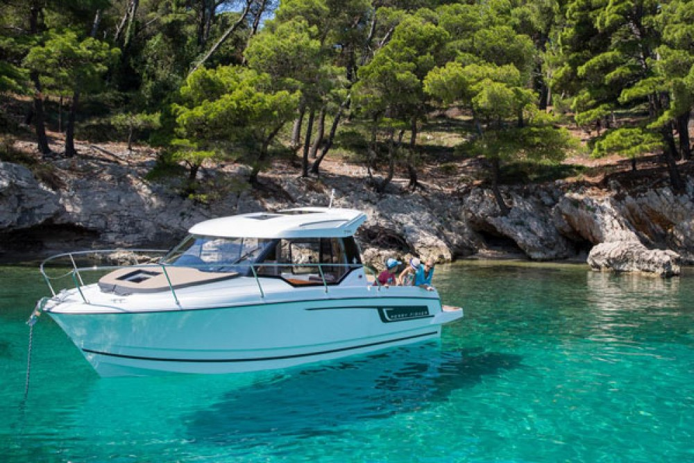 Motorboat for rent Grad Biograd na Moru at the best price