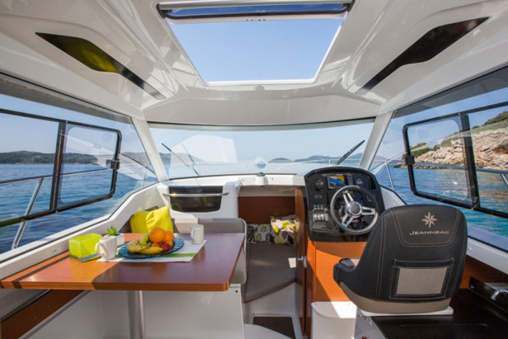 Jeanneau Merry Fisher 795 between personal and professional Grad Biograd na Moru