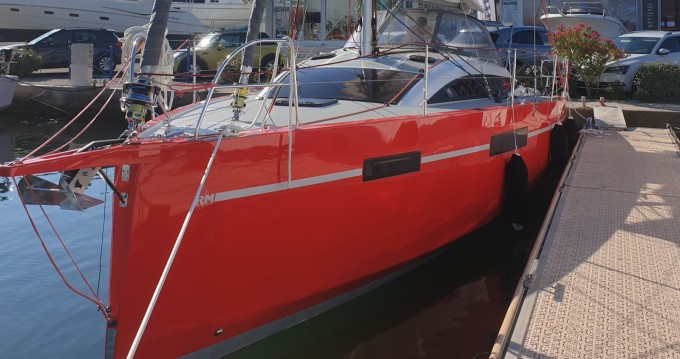 Rental yacht Port-Camargue - Fora Marine RM1070 on SamBoat