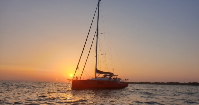 Fora Marine RM1070 between personal and professional Port-Camargue