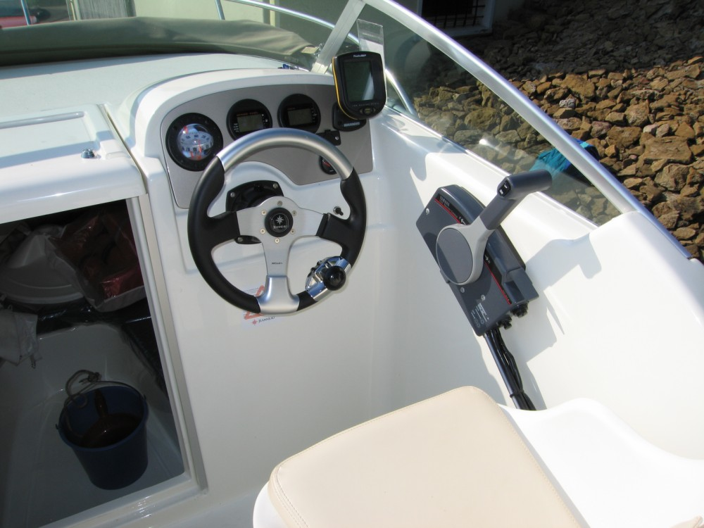 Motor boat for rent Longeville-lès-Metz at the best price