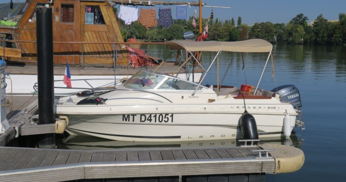 Rental Motorboat in Corny-sur-Moselle - Jeanneau Leader 545