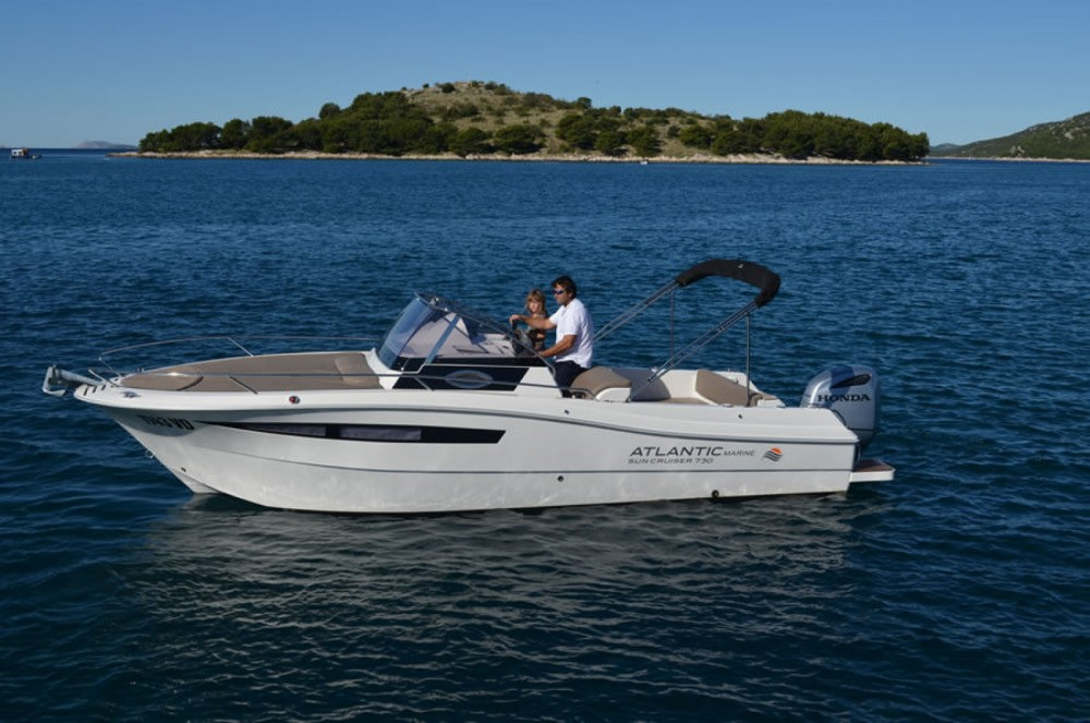Rental Motorboat in Tribunj - Atlantic 730 Sun Cruiser