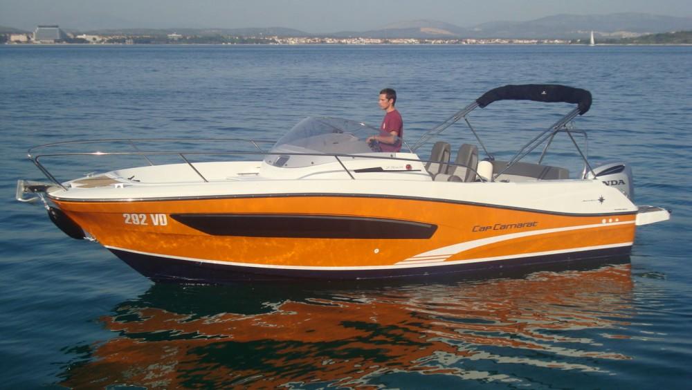 Boat rental Jeanneau Cap Camarat 7.5 WA Serie 2 in Tribunj on Samboat