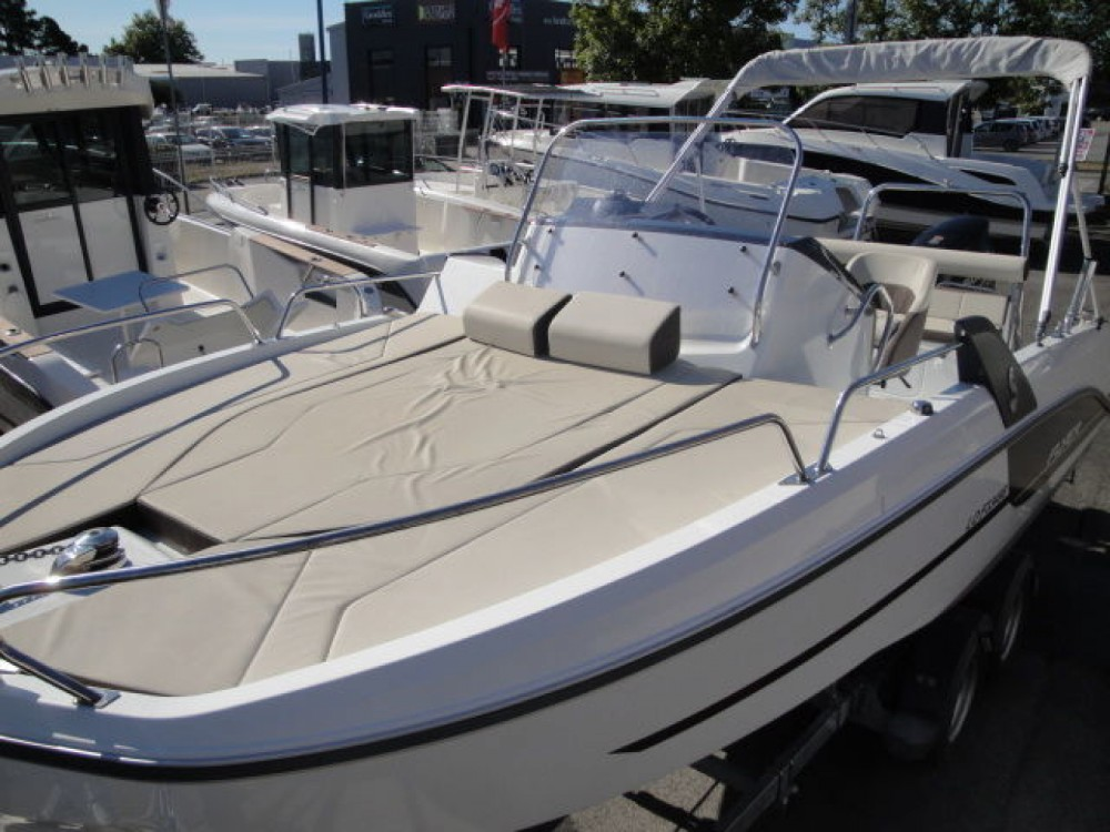 Hire Motor boat with or without skipper Bénéteau Propriano