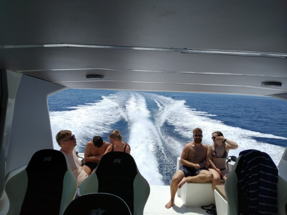 Motor boat for rent Milna at the best price