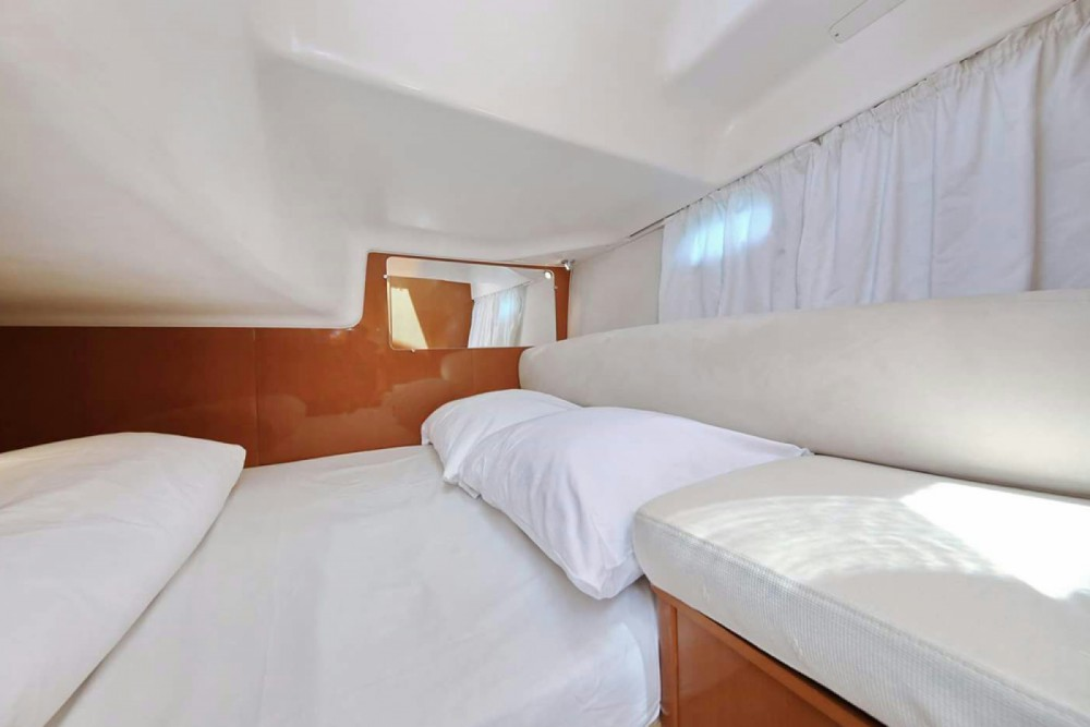 Rental yacht Grad Zadar - Jeanneau Prestige 34 on SamBoat