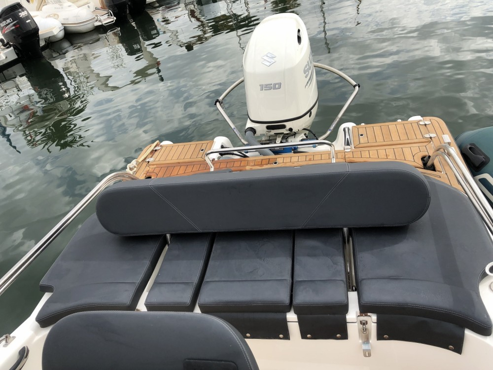 Boat rental Clear libra 650 open in Bandol on Samboat