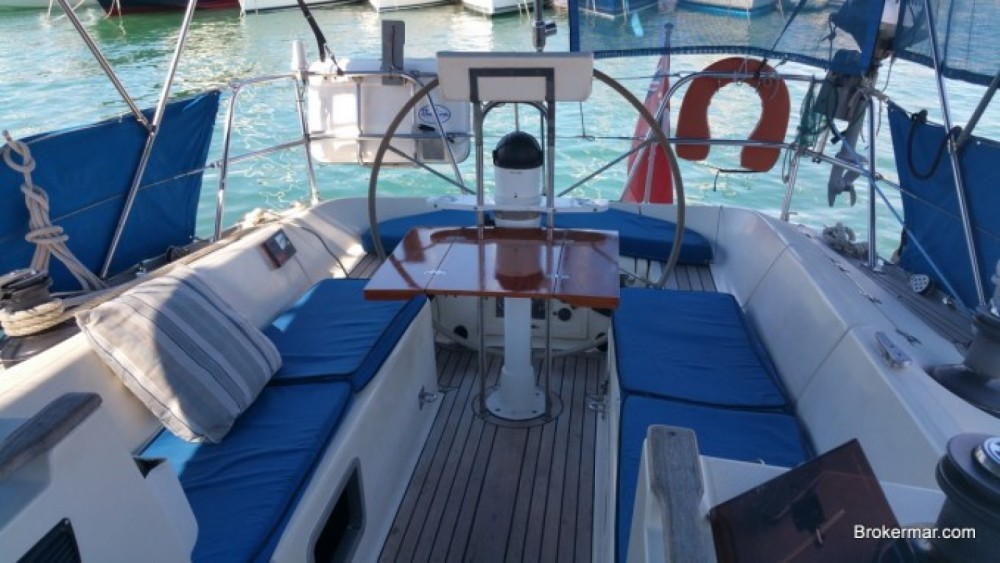 Rental Sailboat in Argelès-sur-Mer - Jeanneau Sun Legende 41