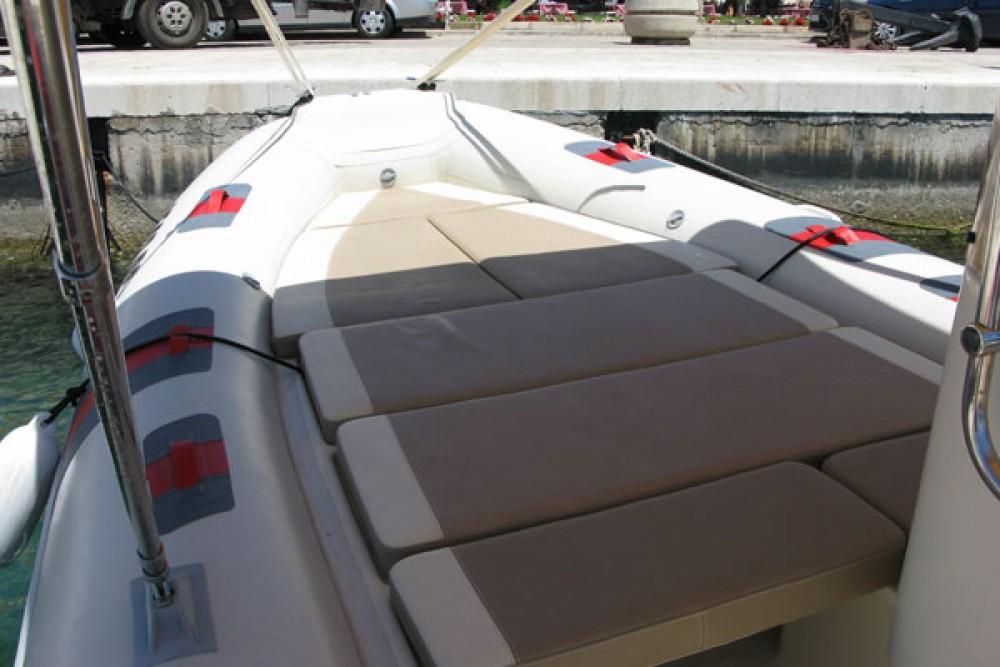 Boat rental Barracuda 530 in Grad Biograd na Moru on Samboat