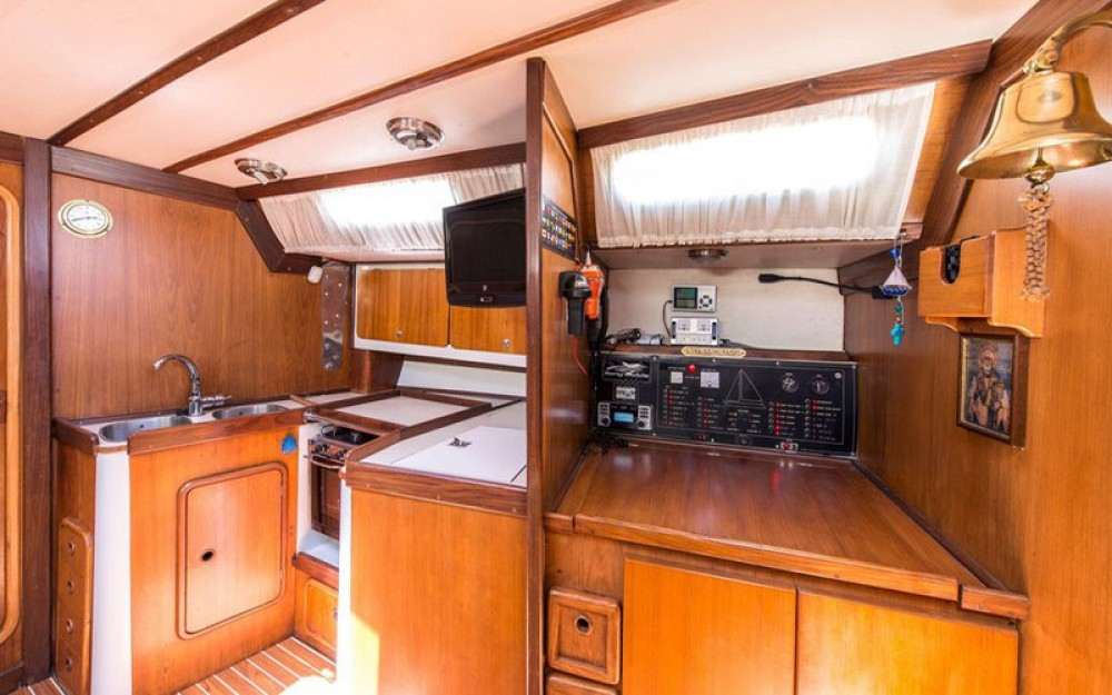Dromor Triton 48 between personal and professional Marína