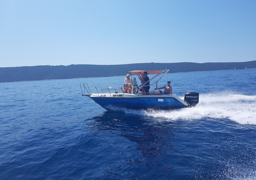 Rental Motorboat in Supetar - Elan Fisherman 20 CC