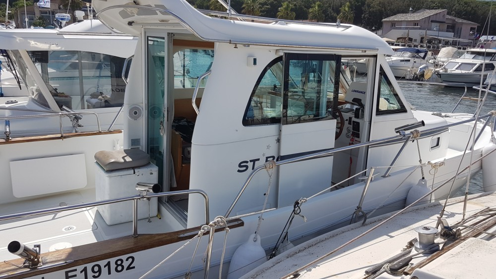 Motorboat for rent Santa-Maria-Poggio at the best price