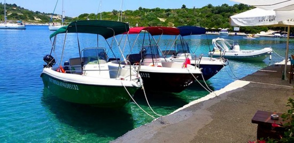 Motorboat for rent Parga at the best price