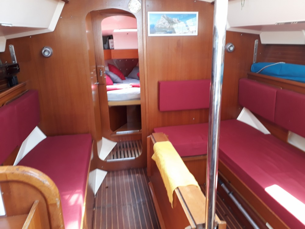 Rental Sailboat in Marseille - Dufour Dufour 31